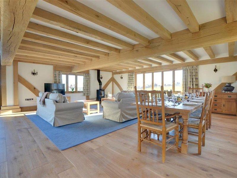 Churchlands - Eight Bedroom House, Sleeps 16, holiday rental in Warehorne