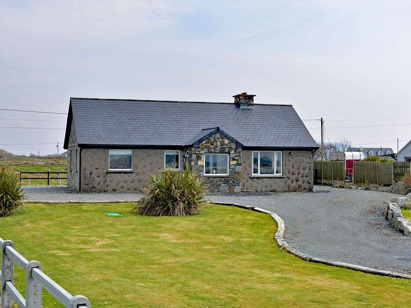 Cottage 102 - Ballyconneely, vacation rental in Clifden