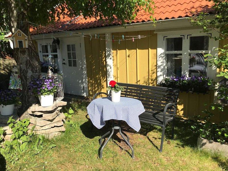 Fint 1700-tals hus mitt i Oskarshamn, aluguéis de temporada em Monsteras