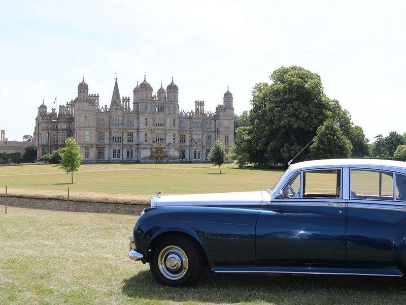 Otra foto de los entusiastas de Rolls Royce y Bentley se encuentran en Burghley