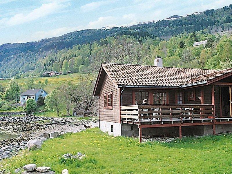 8 person holiday home in NORDFJORDEID, holiday rental in Sogn og Fjordane