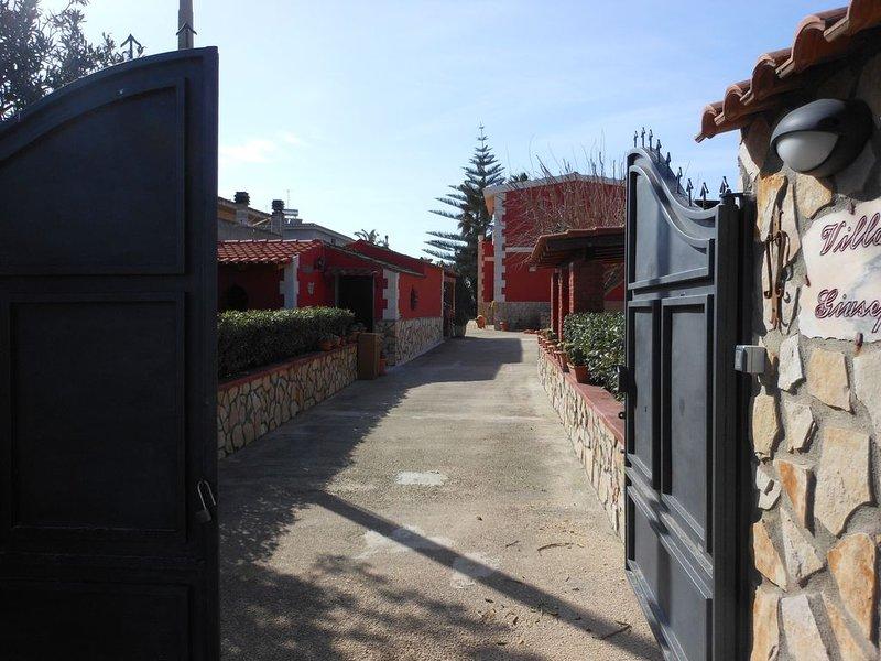 VILLA   FRONTE   MARE, holiday rental in Granelli
