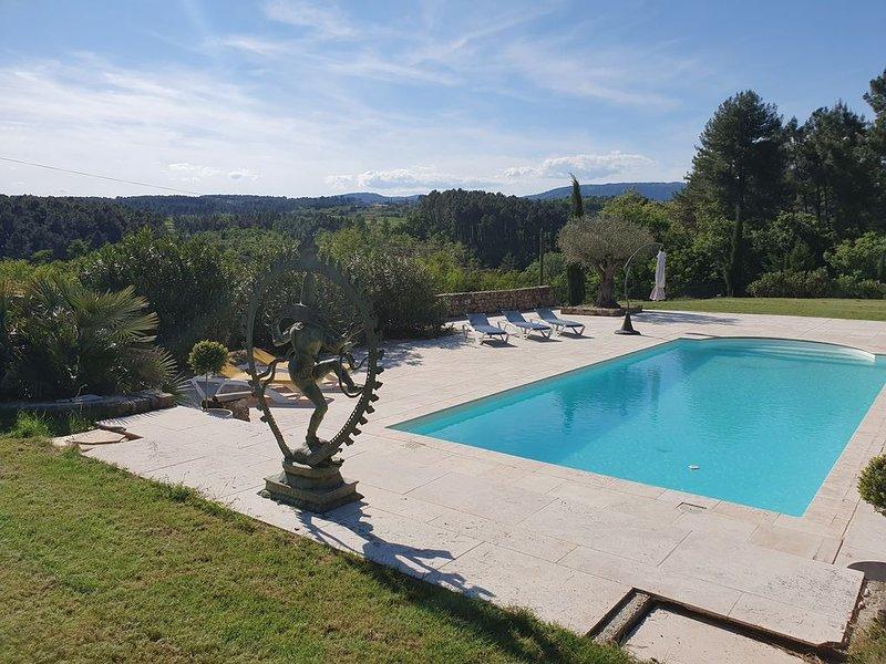Villa grande piscine et vue panoramique  Ardèche Cévennes, location de vacances à Rosières