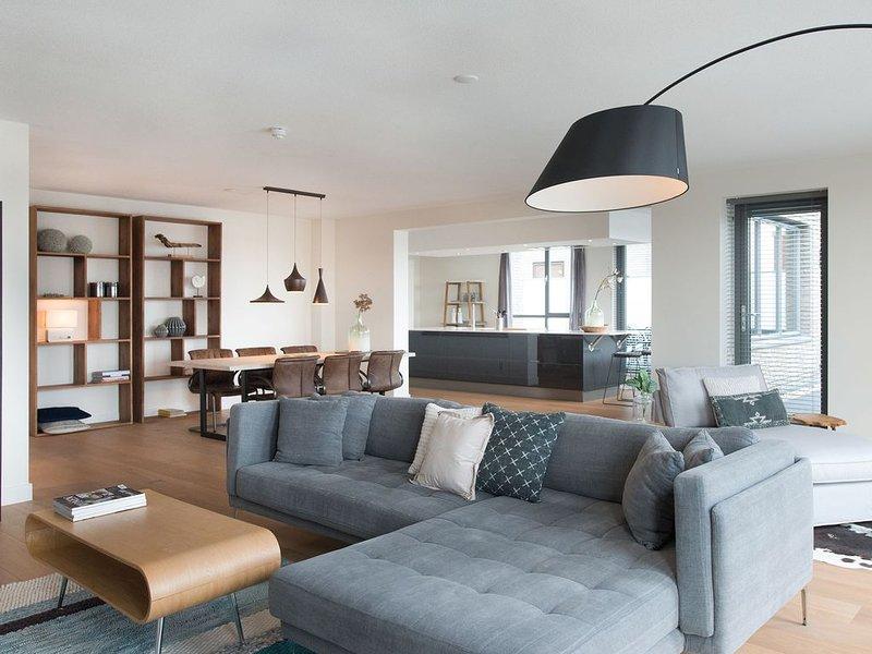 Pretty Apartment in Scheveningen near Seabeach & Watersports, Ferienwohnung in Den Haag