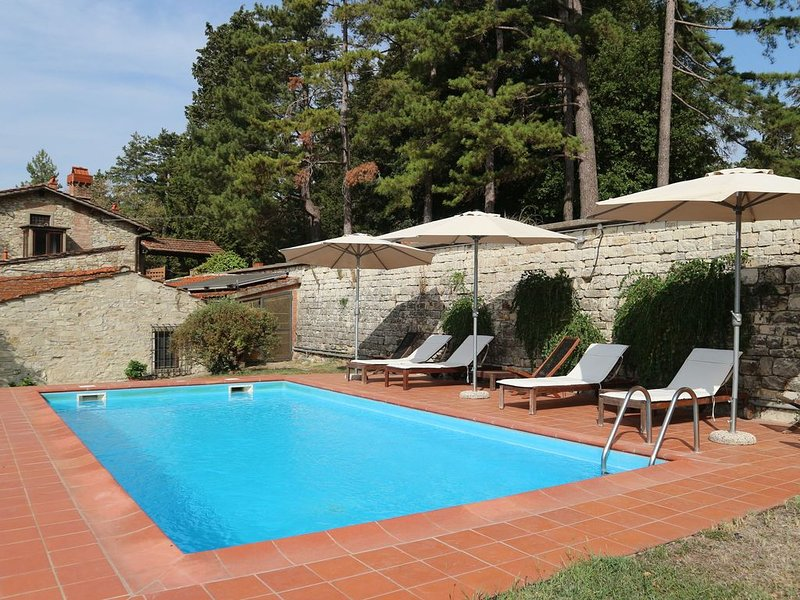 Cosy Holiday Home in Pelago with Swimming Pool, holiday rental in Donnini