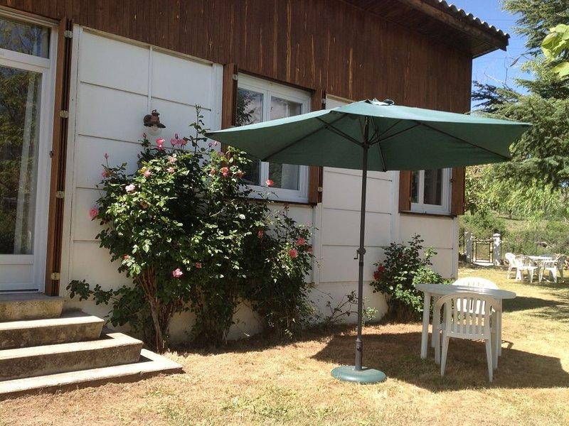 Bungalow-Chalet de montagne Calacuccia , au pied du Monte Cinto, avec jardin., casa vacanza a Soveria