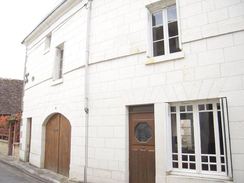 Beautiful 16th Century Village House – semesterbostad i Les Ormes