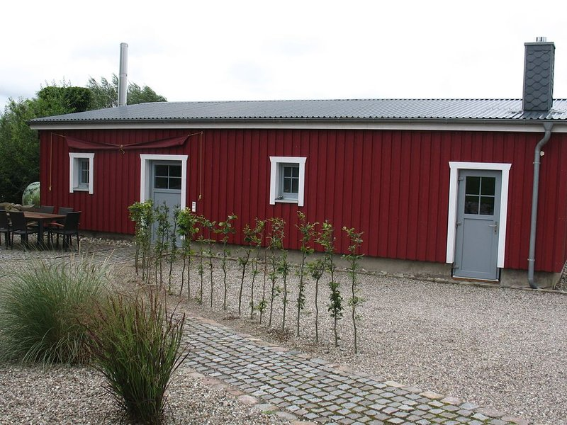 Tranquil Bungalow in Neuburg near the Sea, holiday rental in Neukloster