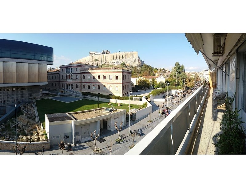 Apartment 150sq.m right in front of Acropolis!!, holiday rental in Athens