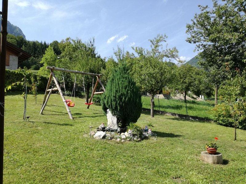 Casavacanzerango immerso nel verde, holiday rental in Stenico