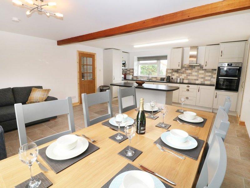 Ysgubor Fawr, LLANDWROG, holiday rental in Dinas Dinlle