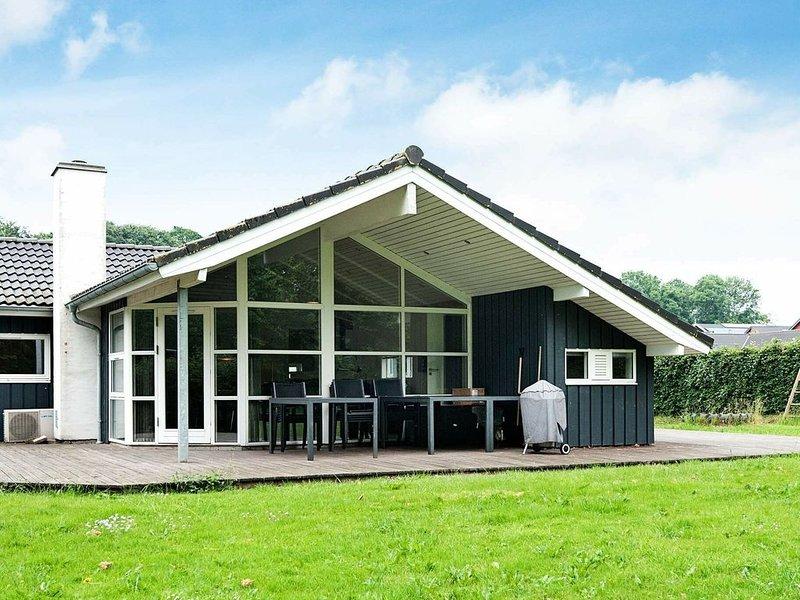 Lovely Holiday Home in Aabenraa Jutland with Sauna – semesterbostad i Varnaes