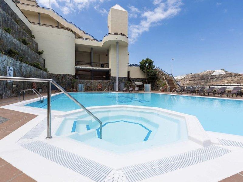 Puerto Rico piscina de lujo, playa, WiFi gratis y Jardín, aluguéis de temporada em Porto Rico
