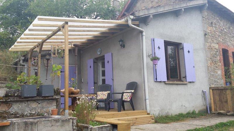 2 persoons studio in de Creuse (hondvriendelijk), holiday rental in Felletin