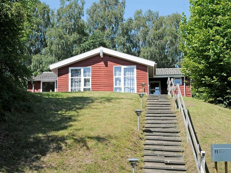 Cozy Holiday Home in Borkop Jutland with Terrace, location de vacances à Bredsten