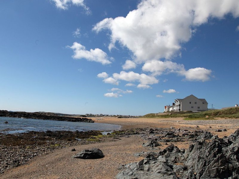 The Red House - Rhosneigr