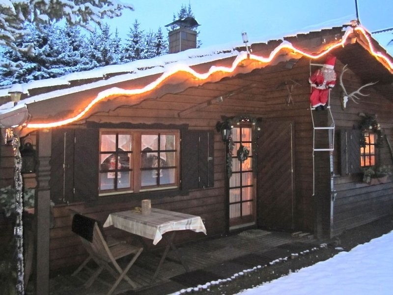 Large Holiday Home in Battenhausen  with Garden, aluguéis de temporada em Gilserberg