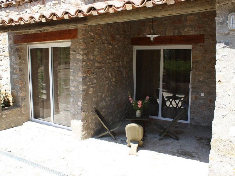 Potentille, soleil des champs, holiday rental in Courry