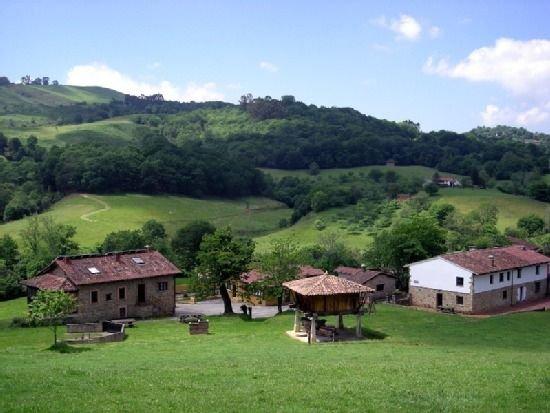 Casa rural  familiar, 18 Km de la playa, zona de Picos, Lagos de Enol, Covadonga, holiday rental in Torazo