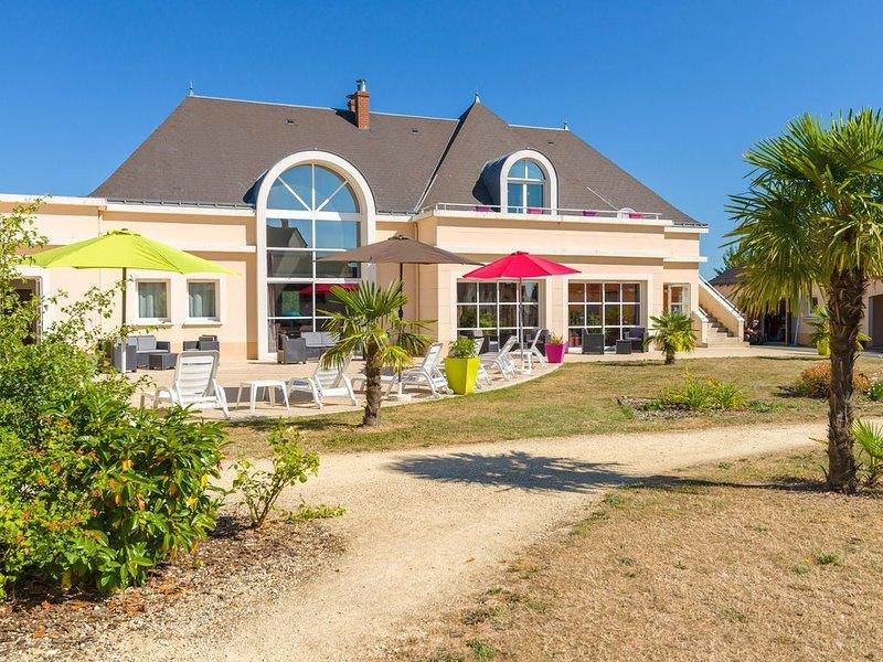 Terrasse/Balcon privé ! Maisonette équipé, accès Piscine + Aire de Jeux, location de vacances à Villandry