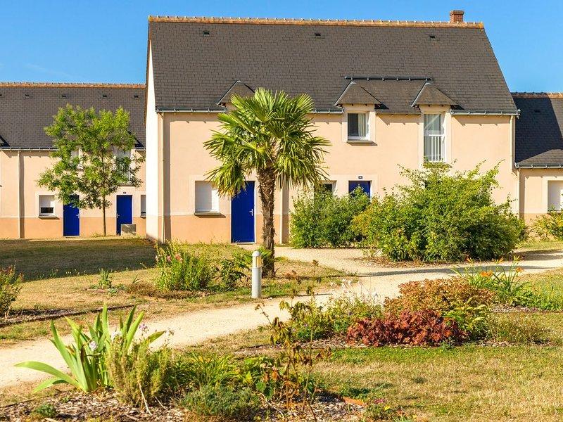 Piscine, Tennis, Boules sur place ! Maisonette équipé, Balcon/Terrasse, holiday rental in Azay-le-Rideau