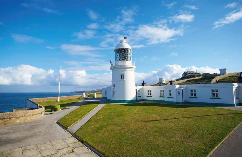 Argus Cottage situated on the Pendeen Lighthouse site, on a majestic granite hea, alquiler vacacional en Pendeen