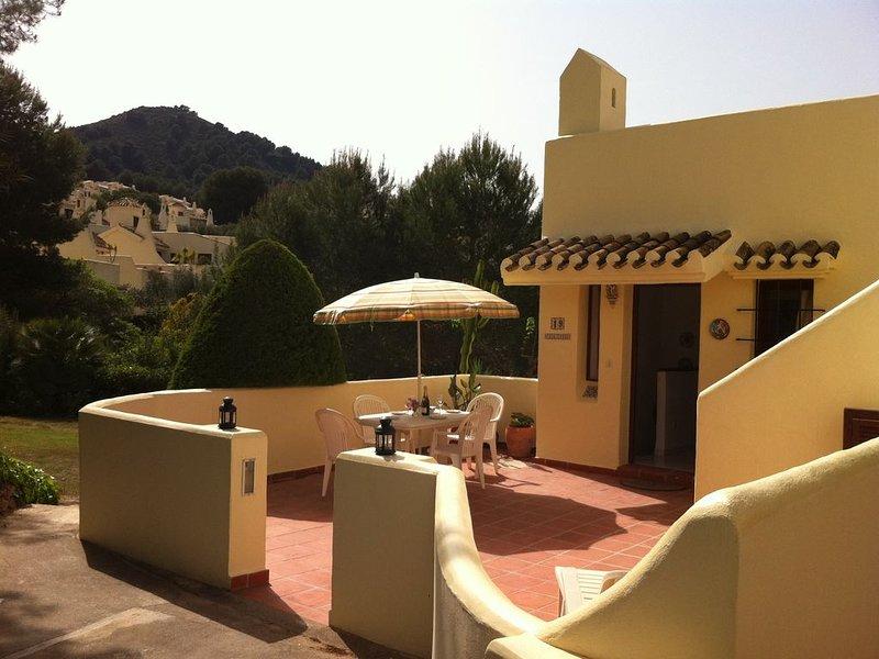 Delightful 2 bed/3 bath villa - 3 sun terraces, Air-Con,  TV & Free  WiFi – semesterbostad i Municipality of Cartagena