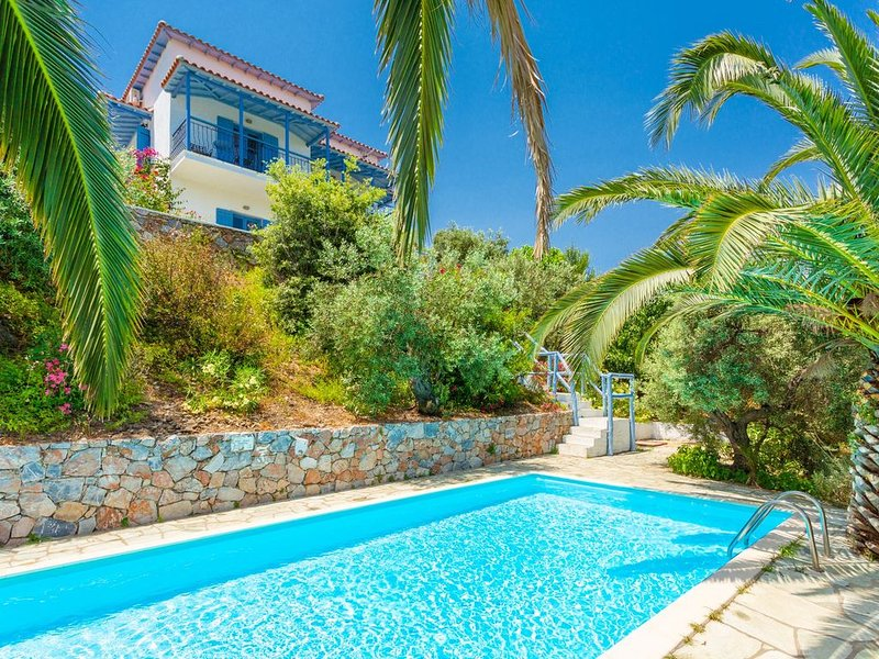 Villa Ourania: Large Private Pool, Sea Views, A/C, WiFi, vacation rental in Skopelos
