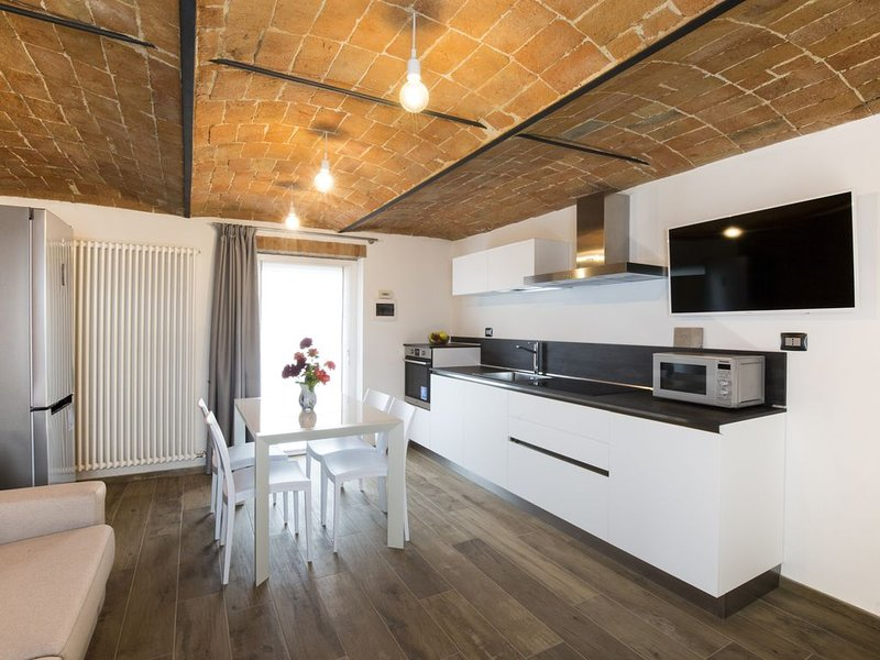 LUXURY COUNTRY HOUSE ALBA MANGO LANGHE, holiday rental in Balbi