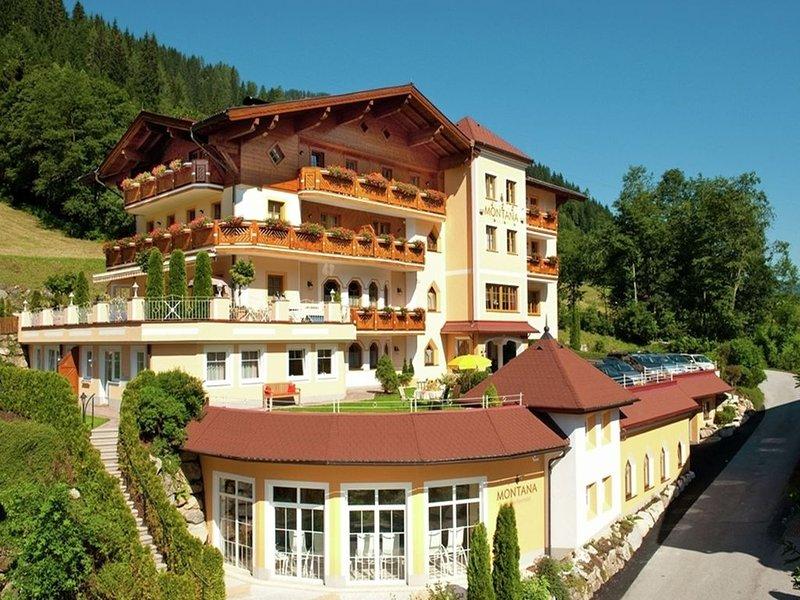 Fancy Apartment in Kleinarl with Sauna, Solarium & playroom, holiday rental in Kleinarl