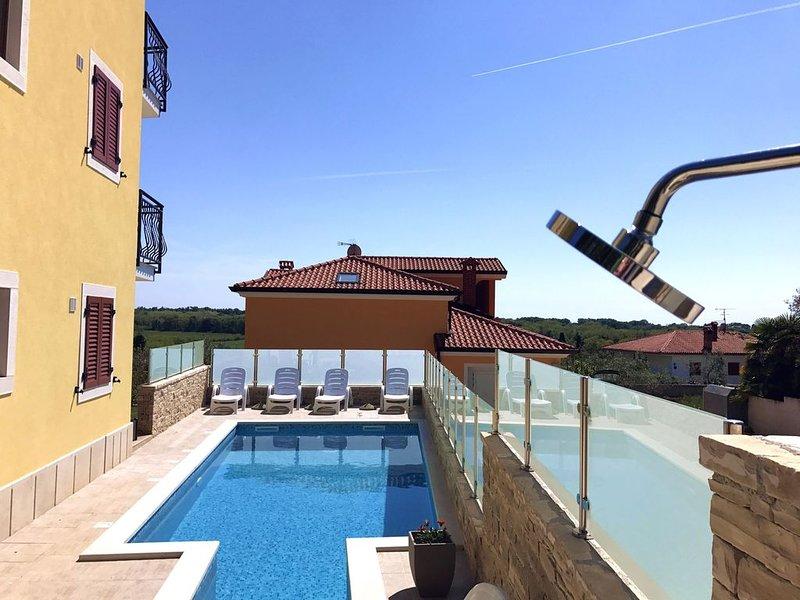 Appartamento 5 nella villa a Savudrija con giardino piscina barbecue parcheggio, casa vacanza a Savudrija