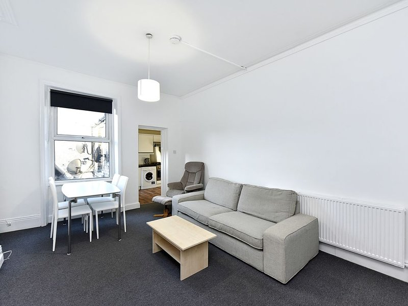 Large 2 Bedroom Apartment in Central Crouch End, London, N8, holiday rental in Wood Green