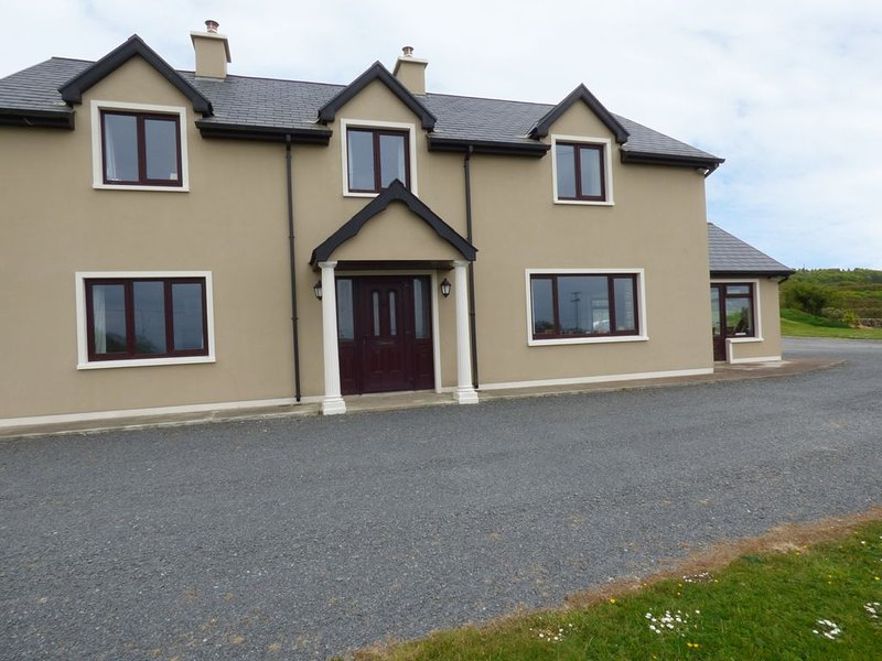 Hillview, CASTLETOWNSHEND, COUNTY CORK, vacation rental in Skibbereen
