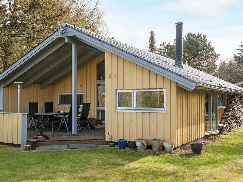 Traditional Holiday Home in Jutland with Sauna, holiday rental in Kjellerup