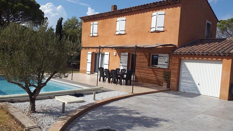 VILLA AVEC PISCINE DE 130 M2, holiday rental in Fréjus