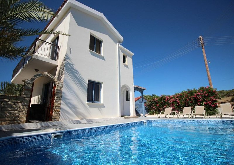 Panoramic Sea View Villa - 8m Private Pool, Newly Renovated, Tranquil Setting, holiday rental in Lara