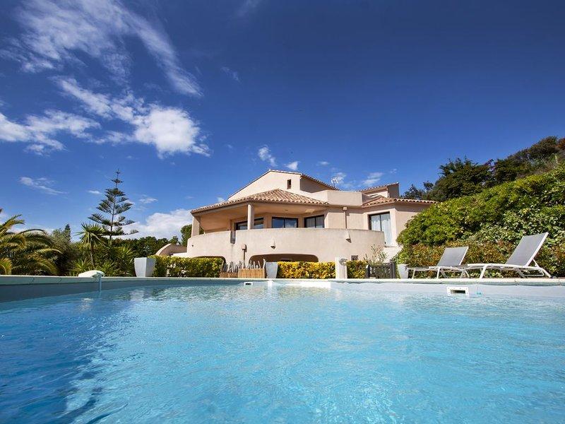 PORTICCIO | Villa de standing 240 m² | Piscine | Vue mer IMPRENABLE, location de vacances à Pietrosella