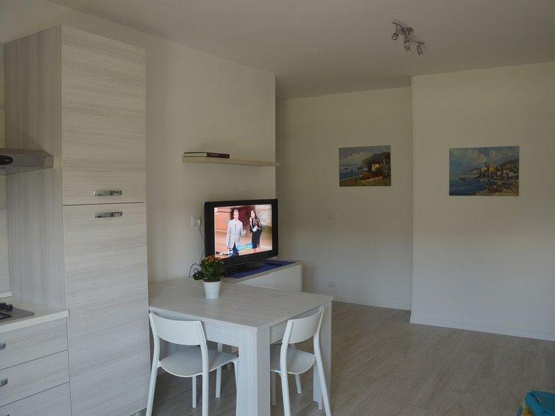 Bilocale in residence sul mare, 30 metri dalla  spiaggia, vacation rental in Fonte Umano-San Martino Alta