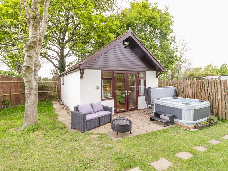 Pheasant Lodge at Chapel Lodges, WIMBORNE MINSTER, holiday rental in Horton