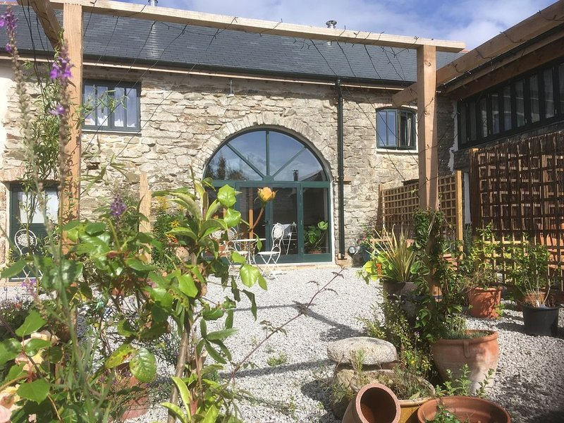 Beautiful, light and airy. Stribleys eco-barn conversion, casa vacanza a Chacewater