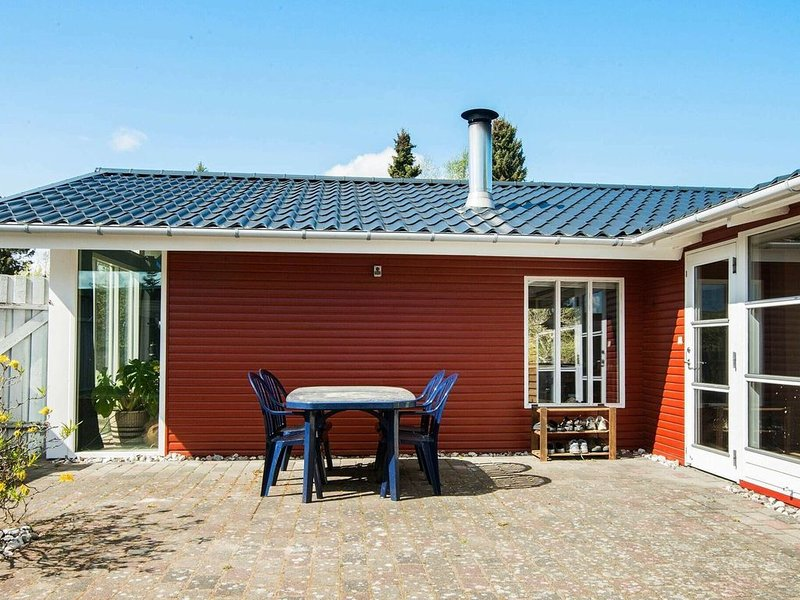 Luxurious Holiday Home in Allingåbro near the Sea, holiday rental in Skovgaarde