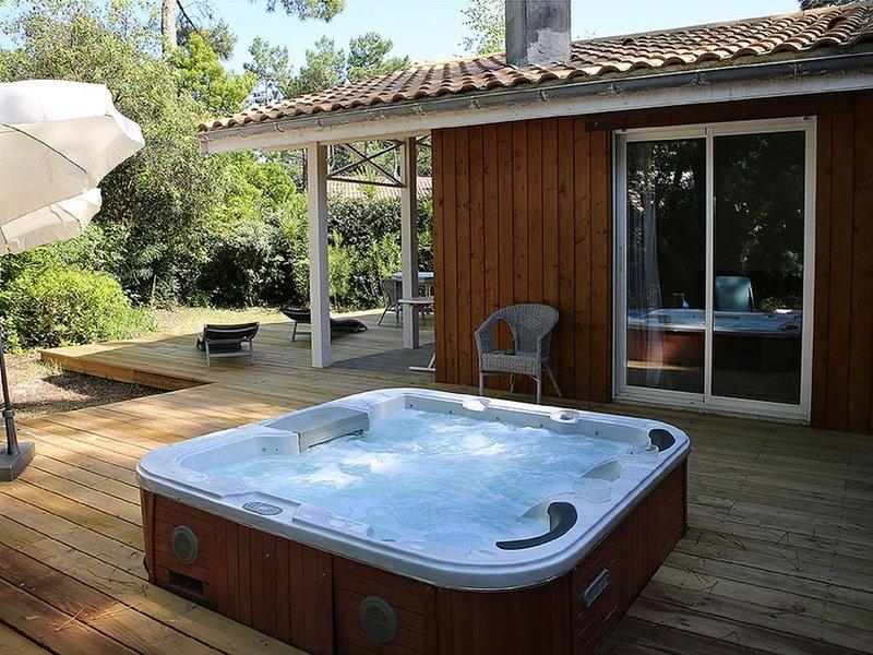 Très jolie maison 2 chambres avec jacuzzi au Cap Ferret à louer toute l'année, holiday rental in Cap-Ferret