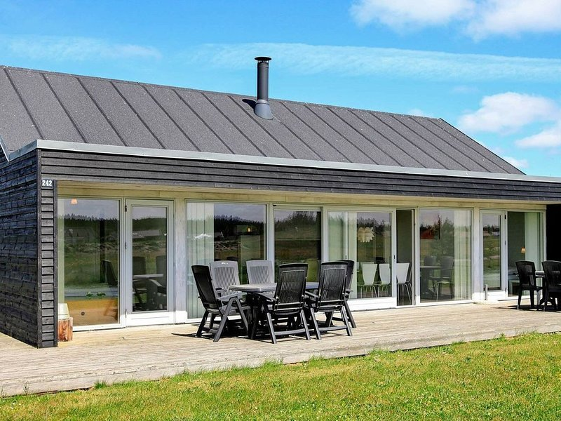 Gorgeous Holiday Home in Brovst with Sauna, Ferienwohnung in Fjerritslev