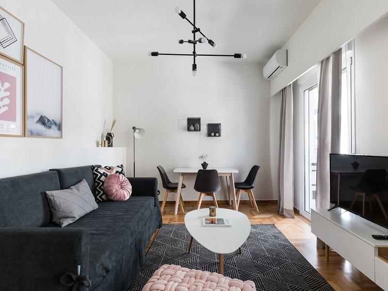 Desirable 1BD Apartment in Kolonaki, holiday rental in Zografou