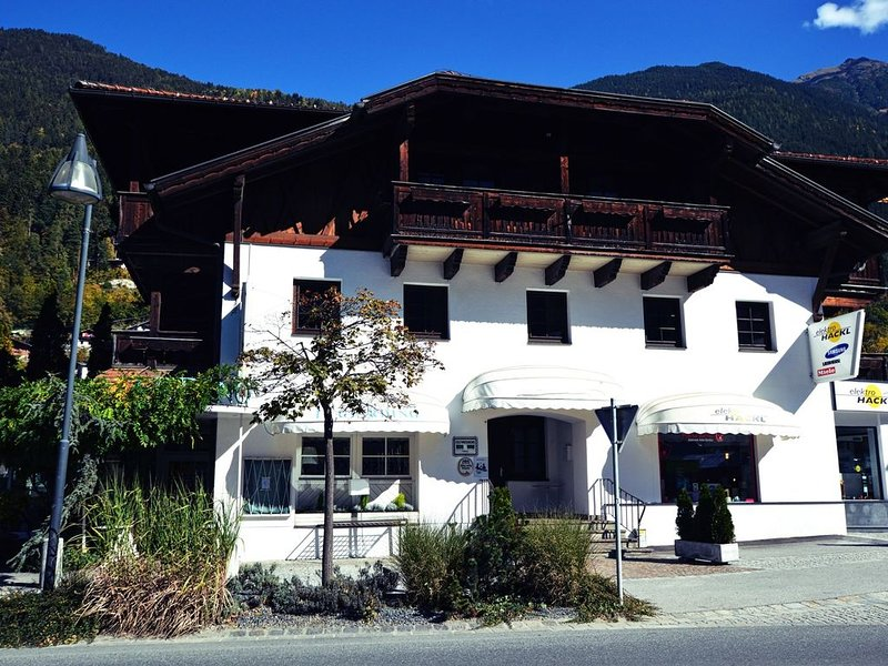 Pretty Apartment in Oetz with Balcony, Ski Storage, Parking, Ferienwohnung in Őtztal