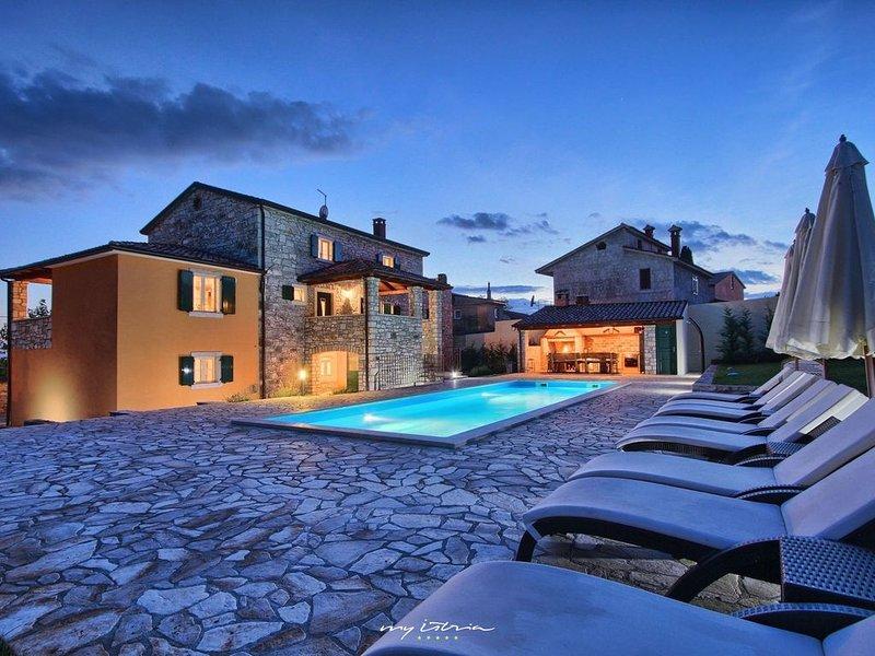 Istrian stone villa with private pool near Porec, holiday rental in Markovac