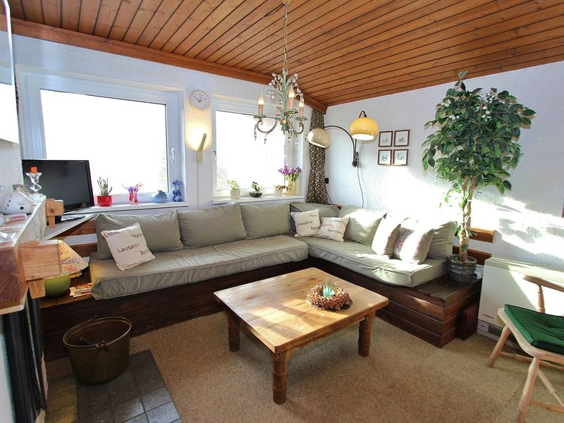 Spacious Chalet in Niedernsill with Skiing nearby, holiday rental in Uttendorf