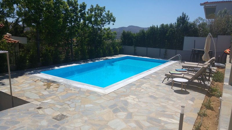 Escape to a Villa with swimming pool suitable for couples or families, vacation rental in Keratea