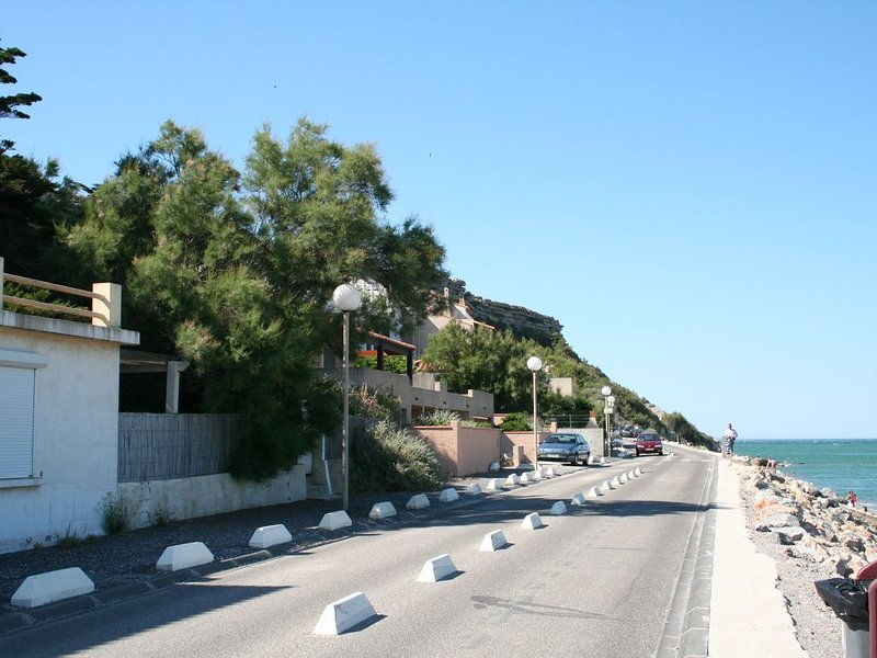 Loue T3 - Leucate plage - RDC- Front de mer, vacation rental in Leucate