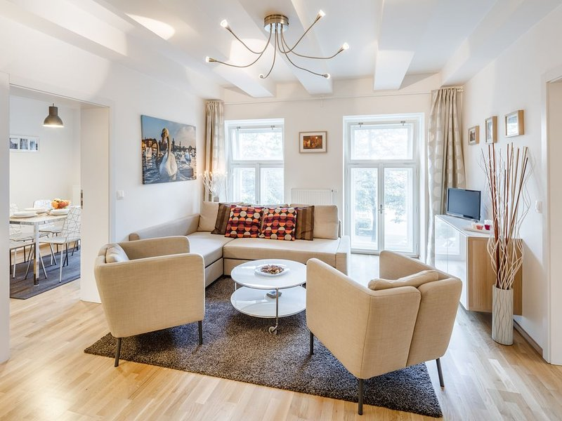 ❤️ Cozy, Spacious, Quiet, Great Central Location, holiday rental in Prague